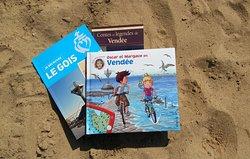 Coin bibliothèque : romans, livres enfants et ouvrages sur la Vendée et Saint-Jean-de-Monts