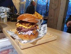 Black Angus burger at The Burgs!