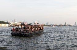 Moving on Chao Phraya