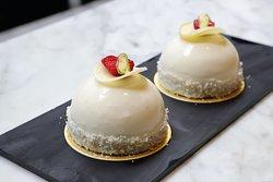 Pearl White Cake