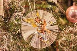 Engel mit Glasfaser-Rosette und Engelshaar