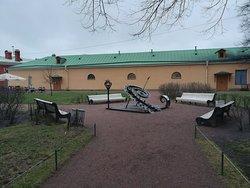 """Солнечные часы """"Время мастера"""", Петропавловская крепость, декабрь."""