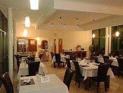 Grato y acogedor ambiente para disfrutar los platos seleccionados y preparados por nuestro Chef