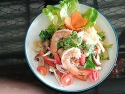 Mixed mushroom salad with shrimps