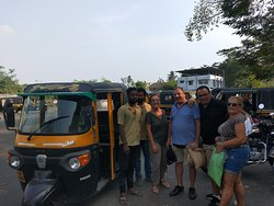 Happy Guests with our tuk tuk drivers.  Fort Kochi Tuk Tuk Tours , Fort Kochi Tours, Kochi Tuk Tuk tours, Kochi Private Guided Tuk Tuk Tour with Cruise Port Pickup, Fort Kochi Tuk Tuk tour with Eranakulam warf pick up, Tuk Tuk Tour with Port Pickup, KOCHI Tuk-tuk tours with Pickup from Cruise Ship, Best things to do in Fort Kochi, Best Activities in Fort Kochi