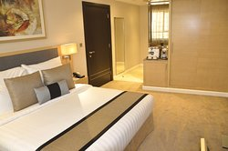 Executive Suite - Bed Room