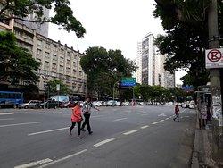 A avenida mais larga de BH, desde a sua inauguração, junto com a nova capital mineira