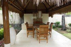 Villa Ayam Sitzbereich (hier spielten wir am Abend Karten)
