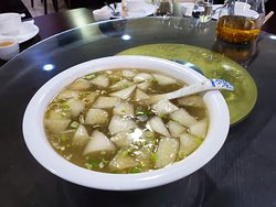 Low Bak (Daikon) and cabbage soup