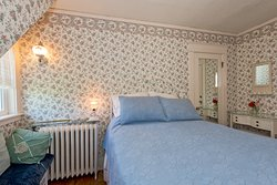 Spring Room - Double Bed