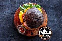 Burger Muine Vietnam / RAU Delibakery