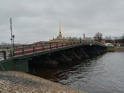 Кронверкский мост, декабрь.