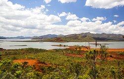 Parc de la Rivière Bleue , lac de Yaté , Yate Lake
