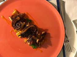 Grilled octopus -Restaurant Il Golfo