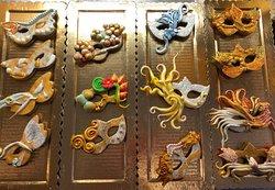 Biscotti per  di carnevale .... gustose mascherine.....