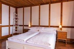 Ula's Holiday Apartments Interlaken - Beatenberg One Bedroom Apartment Bedroom