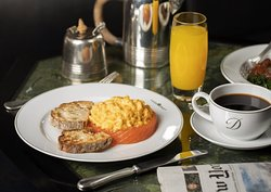 Smoked Salmon & scrambled eggs - The Delaunay
