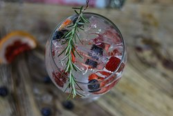 Berry berry gin