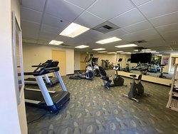 The 24-Hour Fitness Center features cardio and nautilus equipment.