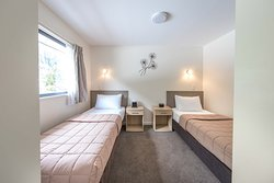 1 bed twin room