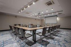 Iconic 1 meeting room