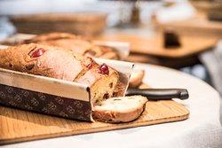 Le Brunch Apego : Cake frais variés au cours des saisons.