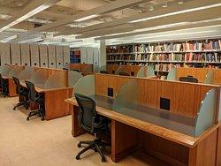 Marlene & Nathan Addlestone Library