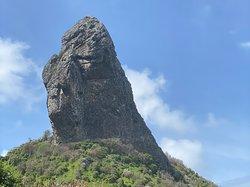 Morro do Pico visto da Praia da Conceição - Fernando de Noronha🌤