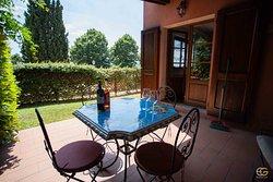 Appartamento Chiara: patio, giardino privato