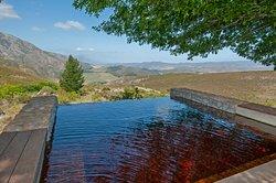 Splash pool with view!