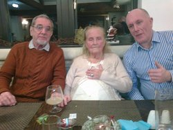 Emmertons with Auntie Violet (96) who loves the Ley Inn!