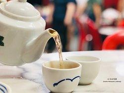 Bak Kut Teh to best pair with Chinese Tea