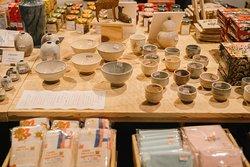 宮島お土産、宮島焼 Miyajima souvenirs Miyajima Osunayaki