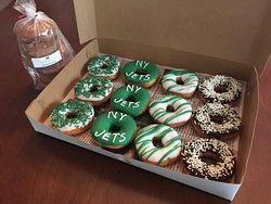 Custom game day donuts for a Jets fan!