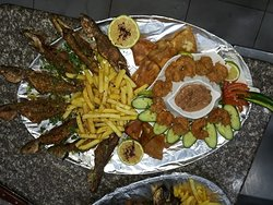 مطعم و مسمكة ابو بكر