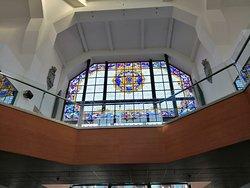 Les vitraux majestueux