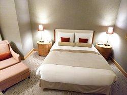 かわいい配色のベッド