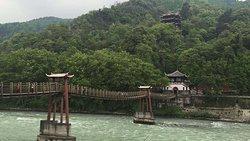 개인 일 투어 : Dujiangyan 관개 시스템 및 Qingcheng 마운트