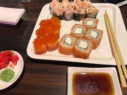 sushi con caviar