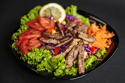 Beef salad with sweet chilli sauce