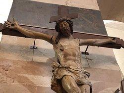 Détail d'un des «Christ en Croix» de l'Église Saint-Éloi de Roissy-en-France