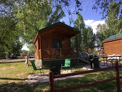 Deluxe Cabin Sundance Kid sleeps up to 5 with private bathroom
