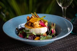 Grilled goat cheese with honey beetroot salad with and roasted mushrooms