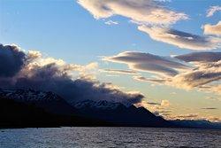 Pôr do sol às 22h30 no Lago Fagnano