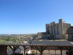 Castelo de Óbidos et les remparts de la ville fortifiée