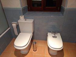 Wirklich alles da - wir hätten aber davon die Hälfte und dafür ein größeres Zimmer bevorzugt. .-)
