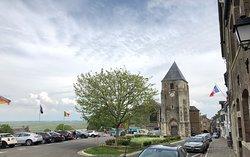 Baie de Somme - depuis les hauteurs de Saint-Valéry, vue sur la Baie avec l'église Saint-Martin