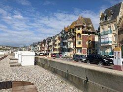Baie de Somme - Mers Les Bains, vue du front de mer