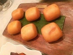 """MANTOU"" 饅頭。揚げパン"