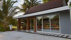 Kampong Dedaun mart